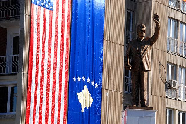 Statue of Bill Clinton in Pristina, Kosovo, November 2009. (Credit: Arian Selmani via Wikimedia)