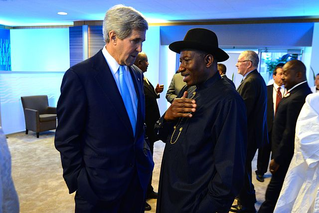 U.S. Secretary of State John Kerry meets with Nigerian President Goodluck Jonathan. (Credit: U.S. State Department.)