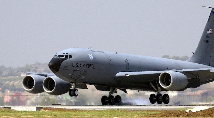 A U.S. Air Force Boeing KC-135R Stratotanker from the Ohio Air National Guard at Incirlik, Turkey, August 2003. (U.S. Air Force photo by Tech. Sgt. Vince Parker.)