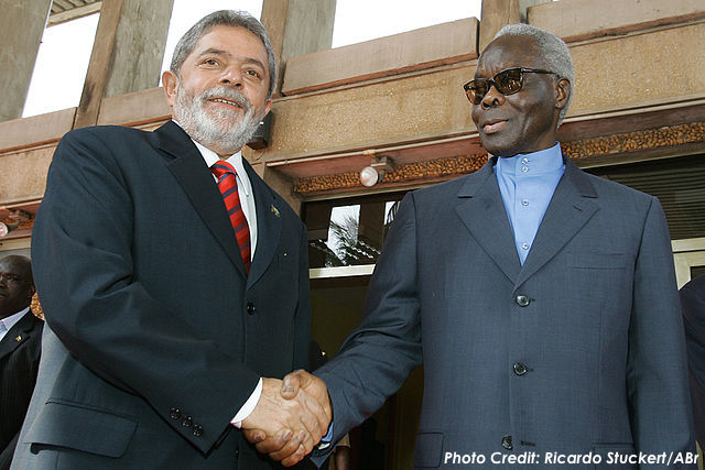 February 2006 Photo: President Mathieu Kérékou (right) of Benin receives Brazil's president.