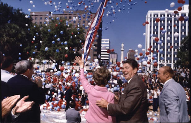 Ronald Reagan campaigning with Nancy Reagan in Columbia, South Carolina. Oct 10, 1980. (Credit: Reagan Presidential Library)