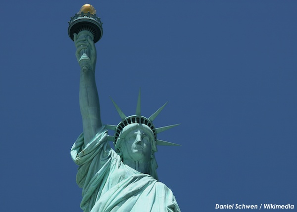 statue-of-liberty-Daniel-Schwen